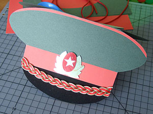 Как сделать помпон на шапку из ниток в домашних условиях.
